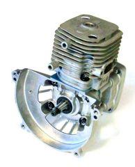 0037 Zylinderkopf 23 ccm mit Motorgehäuse un Kurbelwelle ohne Ku